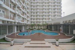 Gedung dan Kolam Renang RedDoorz Apartment @ Sentul Tower