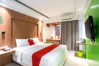 Kamar RedDoorz Apartment @ Bogor Valley