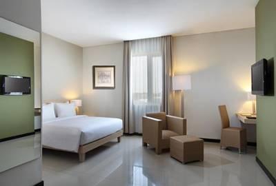 View Kamar Hotel Santika Bengkulu
